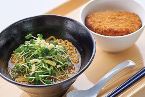 写真:麺とミニ丼セット